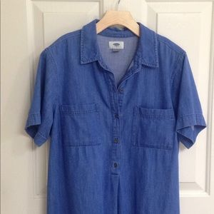 Old Navy Dresses - **LAST CHANCE**Old Navy Chambray Shirtdress